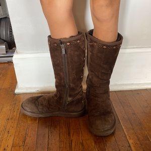 Ugg Joplin Boot. Size 6. Need Good Cleaning!